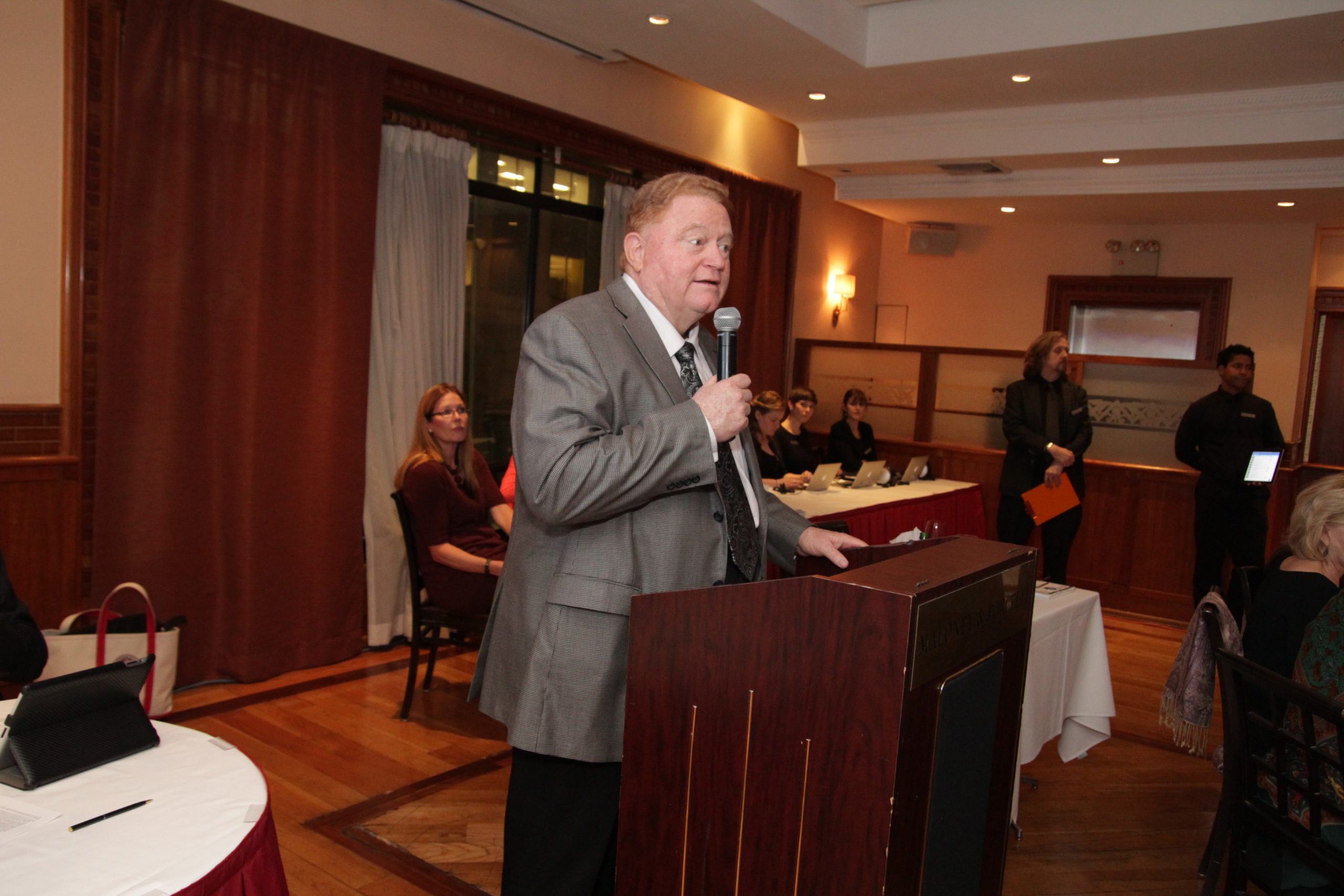 Rusty Staub Foundation Wine Auction 2013